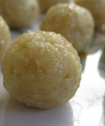 Thengai Laddu (Coconut Laddus)