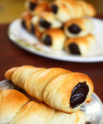 Eggless Chocolate Cornets
