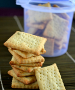 Basil Crackers