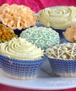 Decorating Cupcakes-1