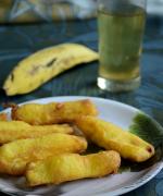 Pazham Pori / Ethakka Appam - Kerala Style Banana Fritters