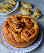 Eggless Slovak Paska Bread and Paska Peeps