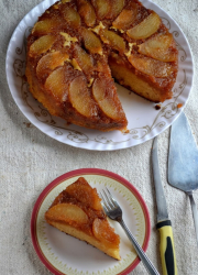 Eggless Pear Upside Down Cake