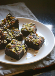 Eggless Fudge Nut Brownies Recipe